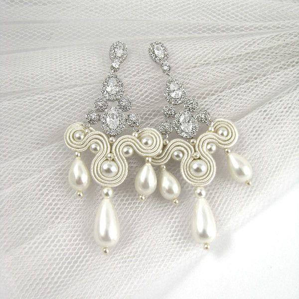 Kandelabrowe kolczyki ślubne sutasz ivory z perłami.