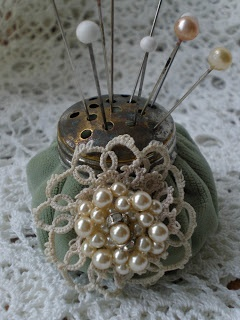 I used some old piece of crochet doilies and an old earring to dress it up and I hope you like it!