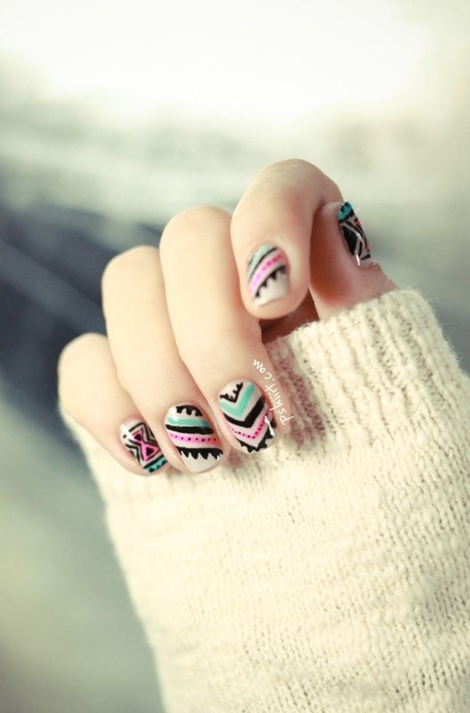 I absolutely adore Aztec inspired nails. These ones are super cute and easy.