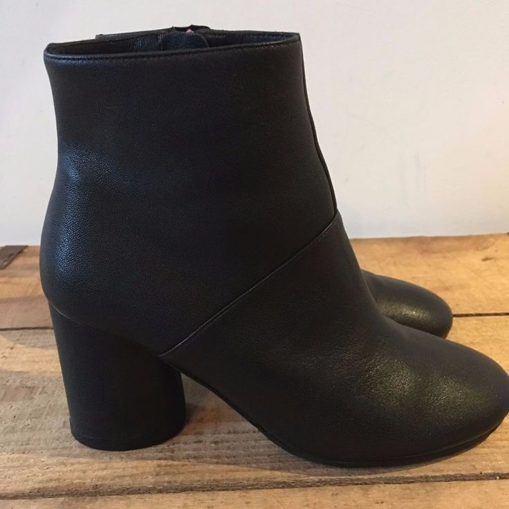 UK SIZE 4 WOMENS JONES BOOTMAKER BLACK LEATHER ANKLE BOOTS OVAL HEELS #JonesBootmaker #SmartCasual