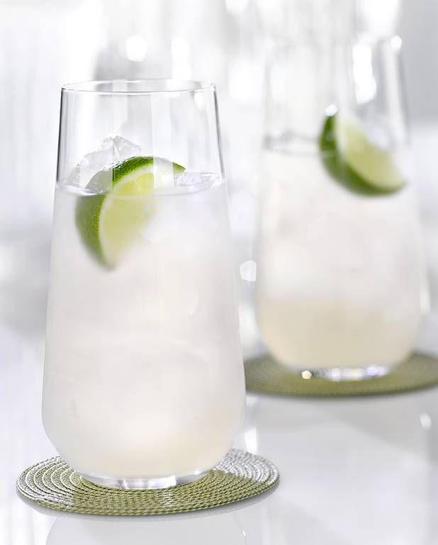 Cocktail rhum tonic au citron pour 1 personne - Recettes Elle à TableIngrédients      3 cl de rhum blanc 10 cl de tonic       2 cl de jus de citron 1 rondelle de citron