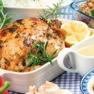 Örtfylld kyckling med gräddsås