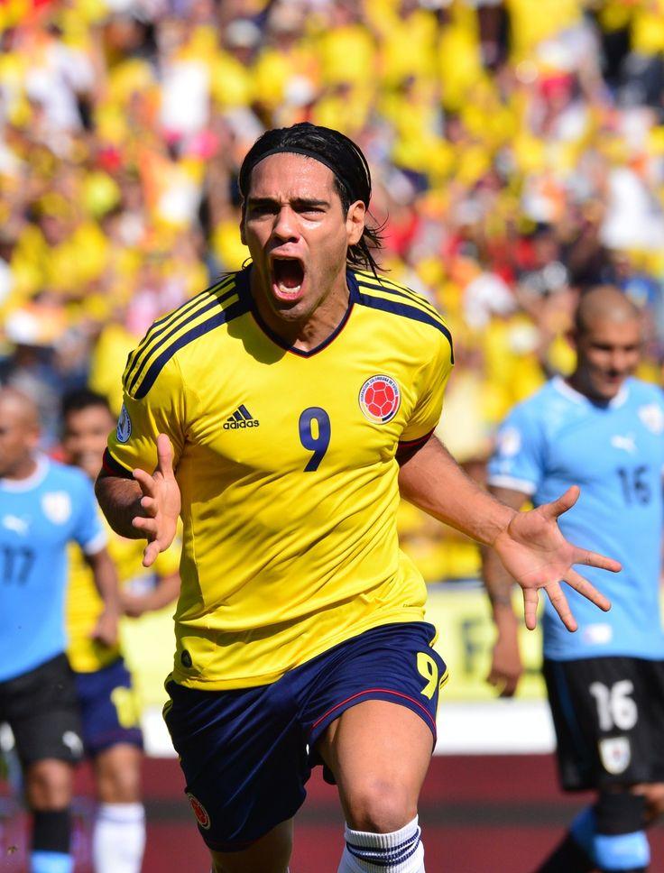 Ruge el Tigre @FALCAO que Orgullo ser Colombiano, Costeño y De #River Gracias Crack!