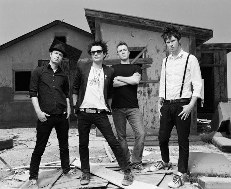 Sum 41 is a Canadian punk rock band from Ajax, Ontario, Canada, active since 1996. http://www.jinglejanglejungle.net/2015/01/sum41.html #Sum41