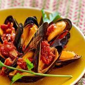 Moules à la sauce tomate et aux épices fines - une recette Fruits de mer - Cuisine
