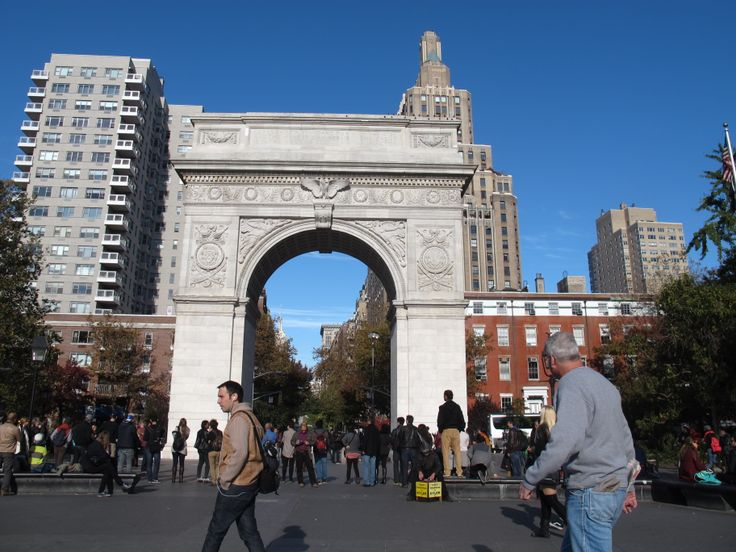 Otra postal de la producción en Nueva York... Aquí Greenwich Village