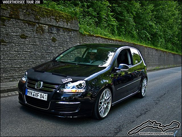 Black Mk5 VW Golf R32