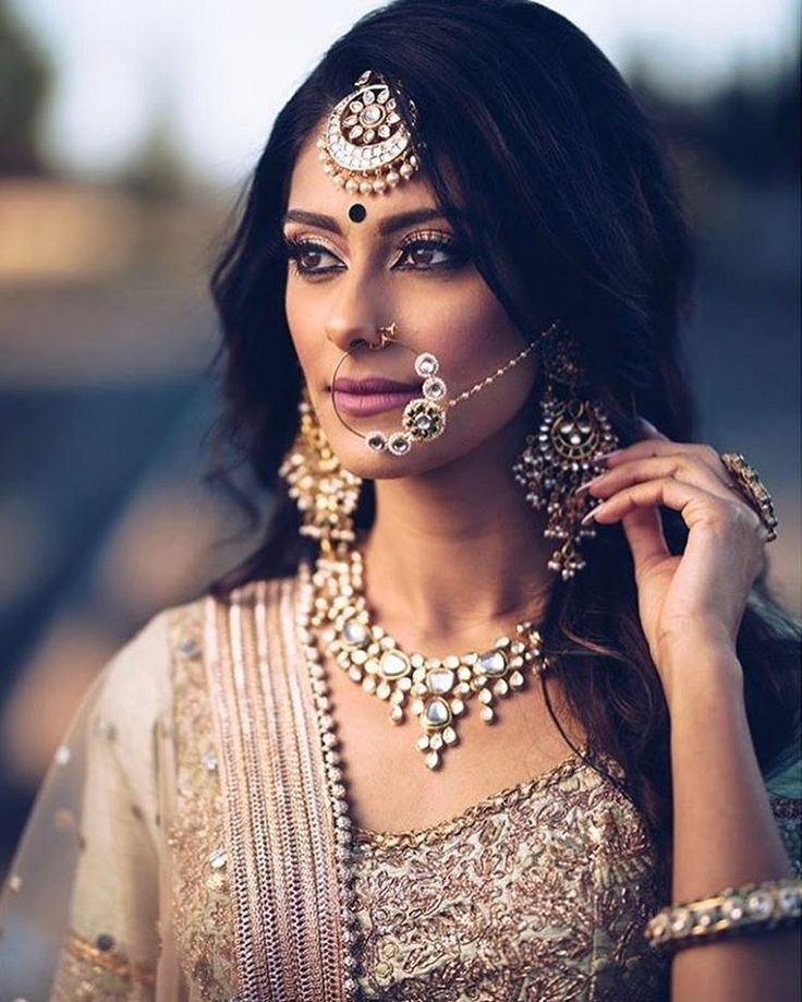 That nose ring though ❤️ photography @teamjsp outfit and jewels @banudesigns makeup @glitz_and_glamour_studio model @toor.manpreet #indian #indianbride #rustic #beautifulbride #beautifulwedding #indianwedding #nosering #jewellery #pretty #love #rustic