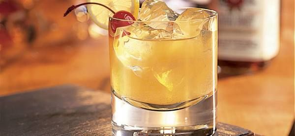 Cocktail-ul de weekend: Whiskey Sour