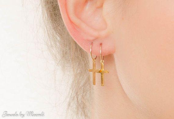 VERKOOP Cross Hoop Earrings Gouden Kruis Hoop door JewelsByMoonli
