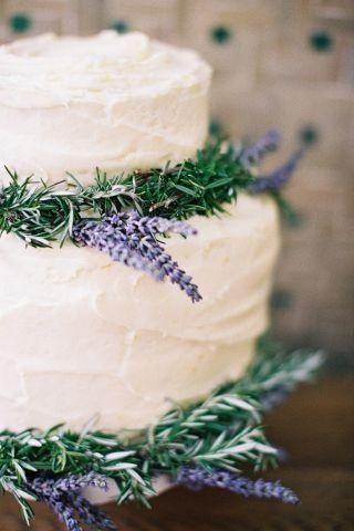 Spring wedding cake. #bridal #wedding