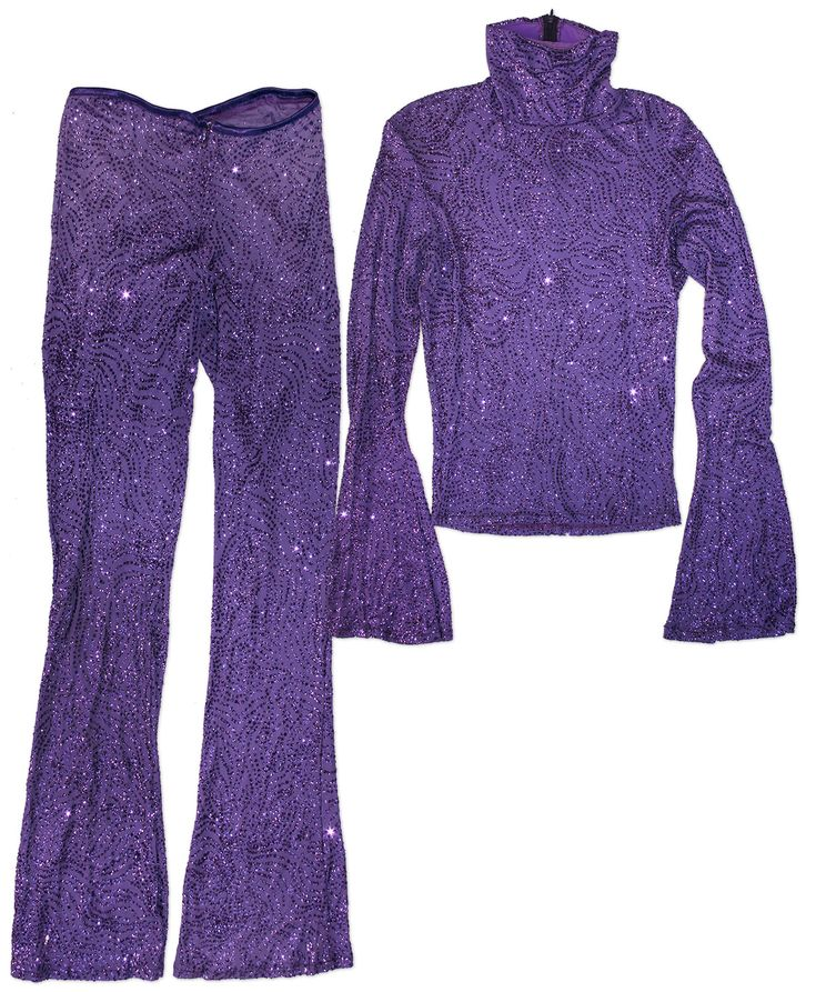 Prince worn purple costume, calling forth his days from ''Purple Rain''. Stage costume features m