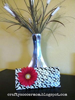 Duct Tape Clutch.  Great for beginner Duct Tape Crafters.  craftysoccermom.blogspot.com