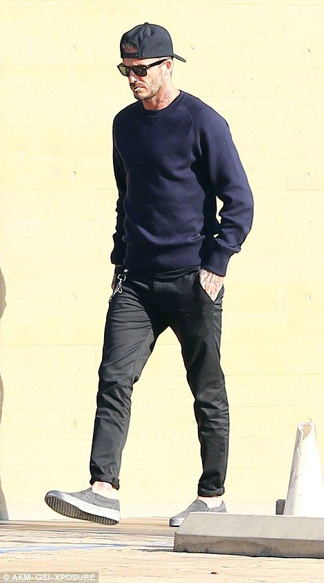 Victoria Beckham keeps it cool with David as they enjoy a lunch date in Malibu | Daily Mail Online