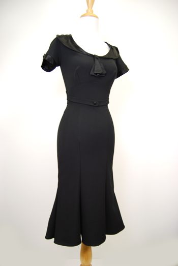 Can't get enough of these 40's style dresses!