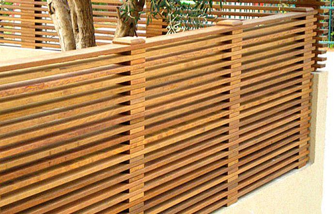 גדר עץ איפאה אופקית