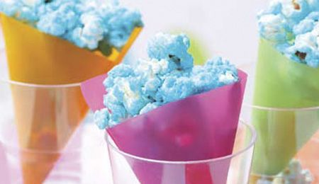 Crunchy coloured popcorn