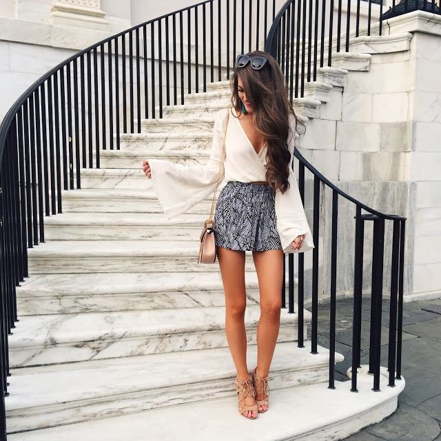 Spring outfits made up of long sleeves and shorts are our favorite!