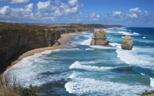 5 Tips for Driving the Great Ocean Road http://thingstodo.viator.com/melbourne/tips-for-driving-the-great-ocean-road/