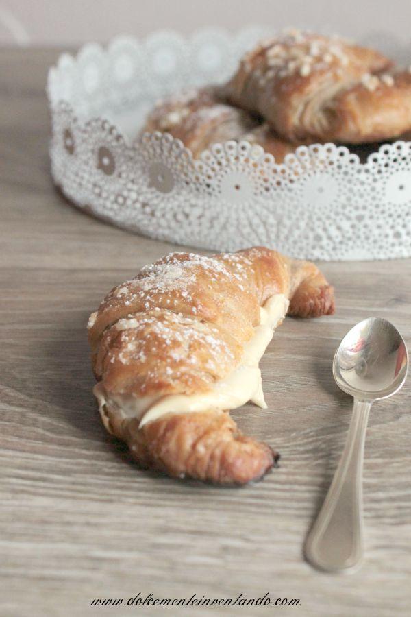 Dolcemente Inventando ovvero i pasticci di Ale: Croissant al farro con crema di mandorle e latte