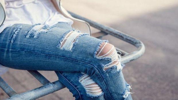 Tendenze moda estate 2014, shredded denim: come fare i jeans strappati