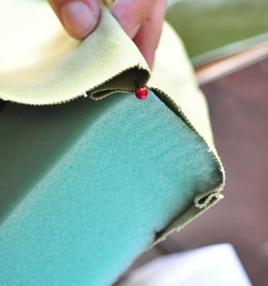 How to sew a cushion for a bench