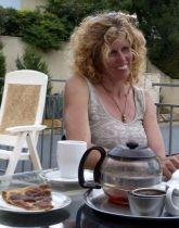 Column - Karen Haanstra - juni, de zenuwen worden op de proef gesteld - 3 Wijngekken die dol zijn op wijn !