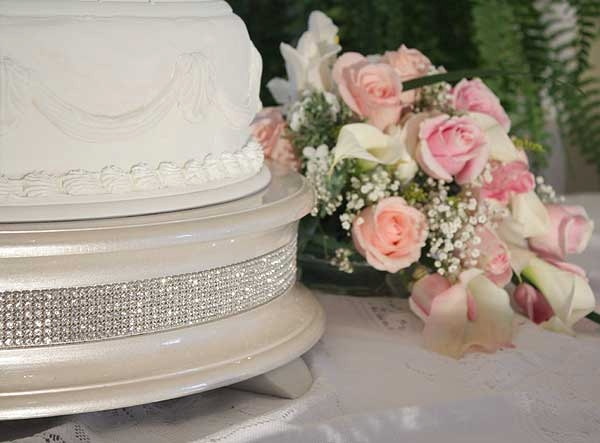 22 inch Champagne Gold Diamond Wedding Cake Stand by WeddingFads