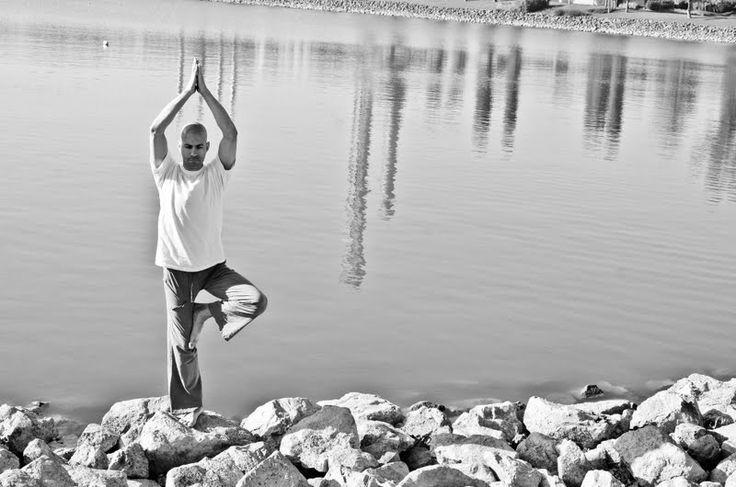jóga a köveken - www.eljharmoniaban.hu #kezdőjóga #hathajóga #jógatanfolyam #jóga #jógabudapest #meditáció #meditációstanfolyam  #jógastúdió #yogabudapest #yogabudapest  #eljharmoniaban  #vitaikati #asana #virksasana #virksászana #faállás #treeposition