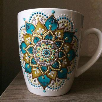 Привет друзья!!! Очередная кружечка уже мчится в свой новый дом в Канадский город #ana_art_cups#handpaintedmug#giftforchristmas#кружкаказань#росписьказань#точечнаяроспись
