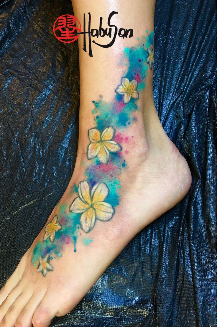 Fresh Up von bestehenden, grauen Frangipani-Blüten mit Watercolour! #tattoo #wien #habusan #neubaugasse76