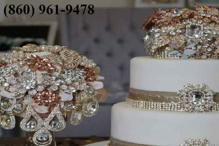 This rich custom Haute Collection Cake Decor Piece tops putting the great to beat all cake. We can extraordinarily plan these stunning pieces to arrange your cluster, head piece or center piece. They incorporate a huge touch making your wedding that once in a presence time event.