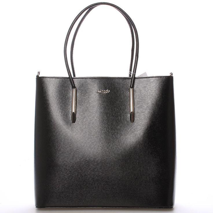 #hit #2016  Novinka našeho e-shopu. Luxusní model od značky Maggio je odrazem elegance, luxusu a stylovosti. Černá  saffianová kabelka Maggio Florida je opravdovým skvostem, perfektní tvar, jemné doplňky, čistota designu. Vezměte si ji na společenskou akci, ale i do práce nebo jen tak do města.