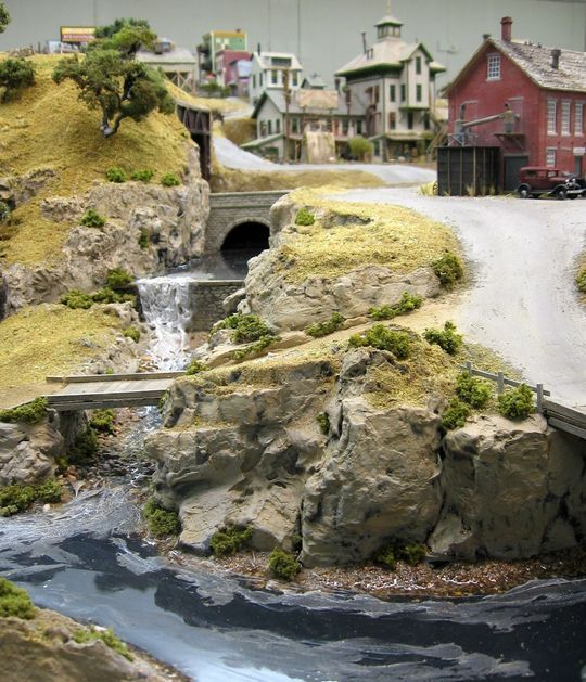 how to make a river for a model train