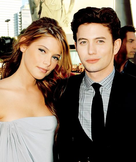 Ashley Greene and Jackson Rathbone | they should have become a real-life couple.