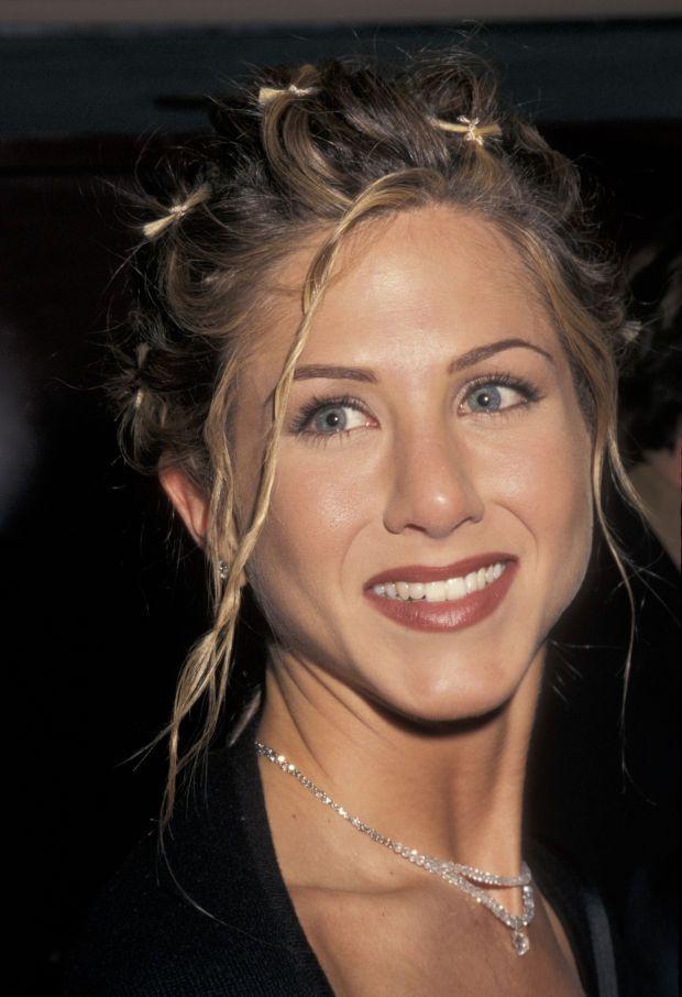 Jennifer Aniston - Film Actress, Television Actress - Biography.com