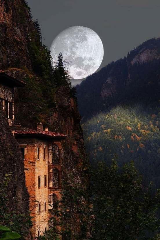 Sümeme Manastırı, Maçka,Trabzon, Turkiye @yirtikharita