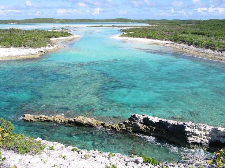 5 Must-See Attractions in Long Island Bahamas : The Bahamas