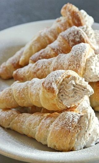 Chocolate and Amaretto Cream-filled Horns.