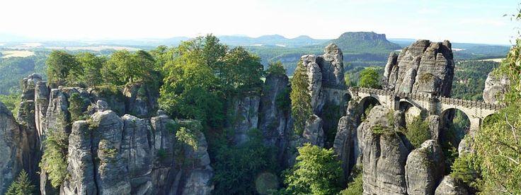 Bastei Sächsische Schweiz - beliebtester Aussichtspunkt im Elbsandsteingebirge