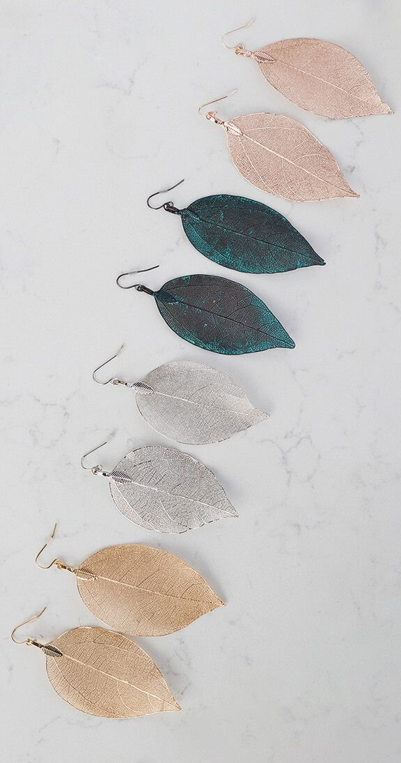 Silver Icing New Leaf Earrings #silvericing #accessories #accessorize #earrings #leafearrings #ootd #gethelook #fallfashion #fallfashion2017 #goldleafearrings #autumn #fashion #shopping #completethelook #rosegoldearrings #silverearrings #blackearrings #silverleaf #goldleaf #rosegoldleaf #buyallcolors