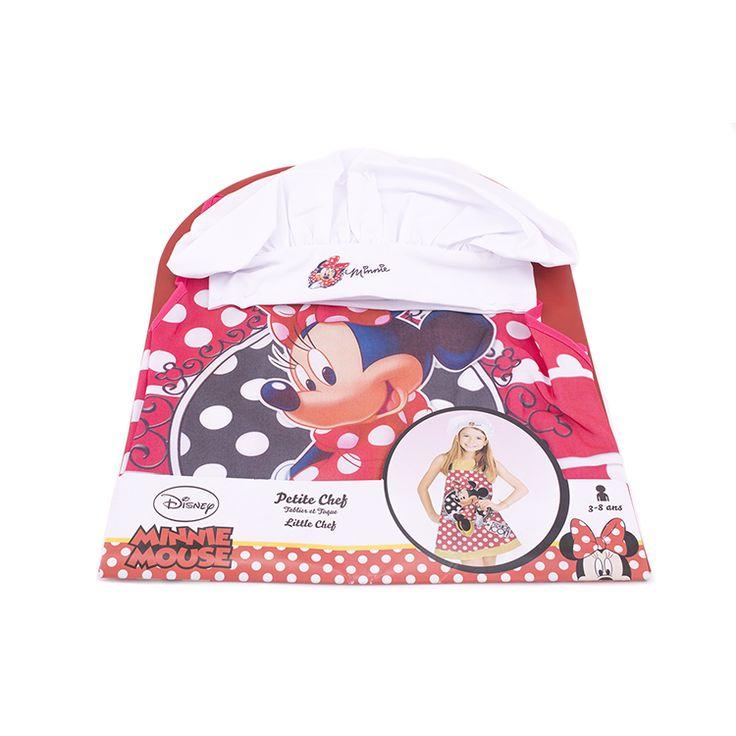 Protégée et à croquer pour cuisiner en famille avec ce tablier et cette toque Minnie  Les fans de la petite souris Minnie vont adorer ce kit de petit chef et ne voudront plus quitter la cuisine.