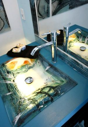 Unique and exclusive sink made by glass artist Branka Lugonja.