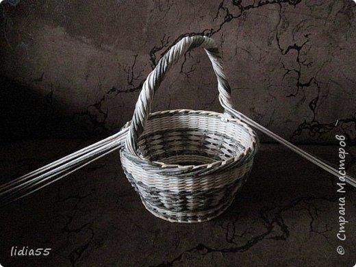 Мастер-класс Поделка изделие Плетение ручка для корзины Трубочки бумажные фото 25