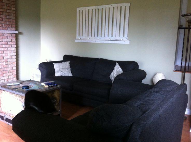 les 25 meilleures id es de la cat gorie murs recouverts de tissu sur pinterest fauteuil jaune. Black Bedroom Furniture Sets. Home Design Ideas
