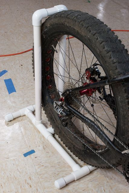 Many times I have rested my bike precariously leaning against something and have come back to find it fallen on the floor. If I am really unlucky, the bike will have hit something on the way down, scratching the paint or tweaking a disc rotor. With fat bikes being as expensive as they are, it