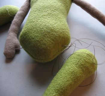 excellent tutorial on hidden button moveable joints in dolls and toys...