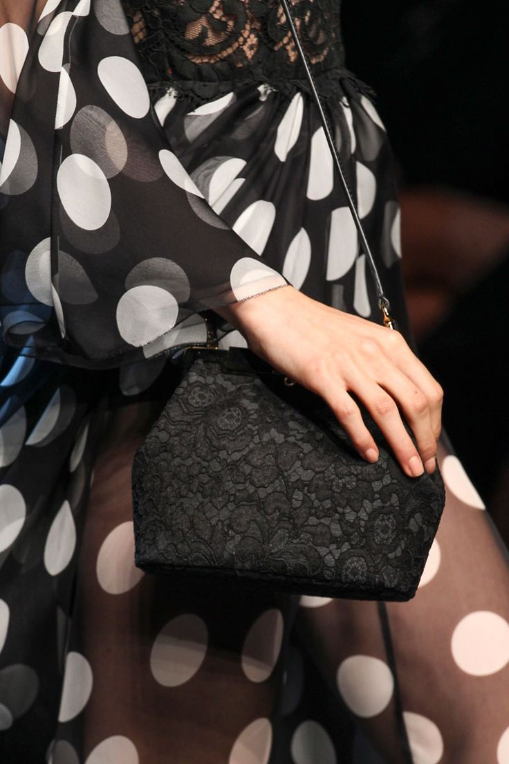 dolce-and-gabbana-rss2014-runway-70_black and white details