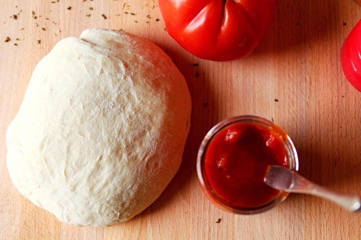 kit pizza maison recette Kit pizza : pâte de Jamie Oliver et sauce aux tomates fraîches