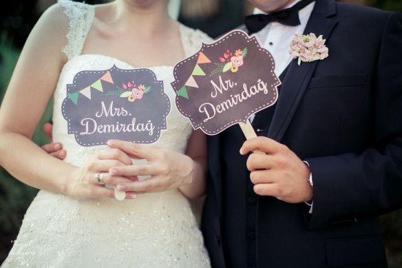 İlgili Kişiye Özel Tasarım Düğün Nişan El Pankartları deignbyceline  bilgi için bedikyan@gmail.com